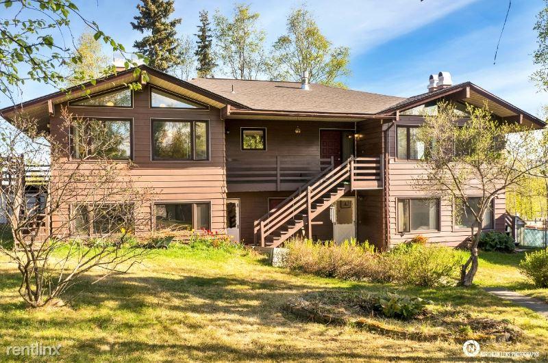 5511 E 38th Ct., Anchorage, AK - 2,500 USD/ month