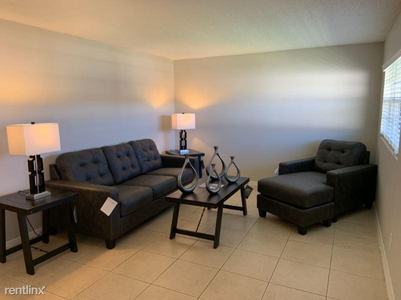 460 Brentwood Drive 17, Daytona Beach, FL - 849 USD/ month