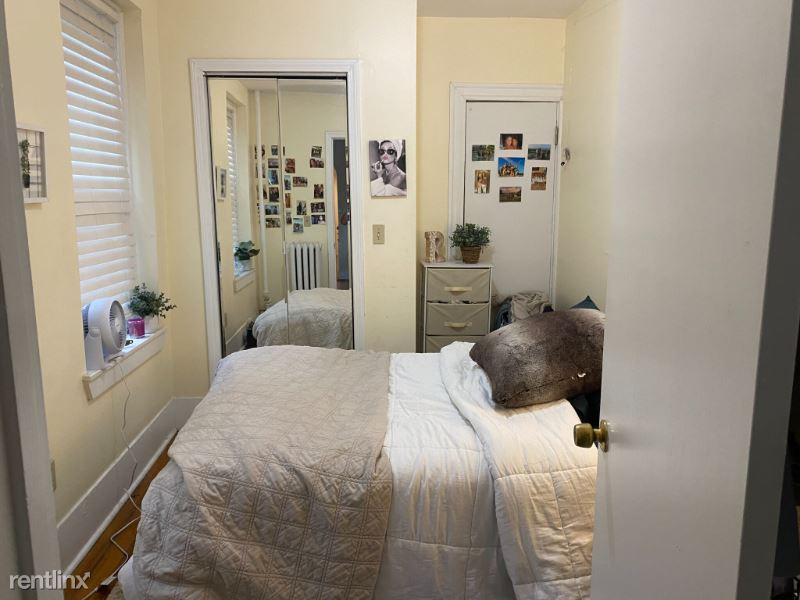 70 Joy Street 4, beacon hill, MA - 2,900 USD/ month