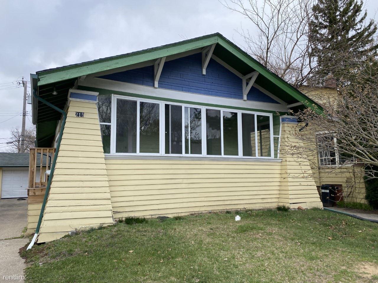 215 Laprairie St, Ferndale, MI - 1,300 USD/ month