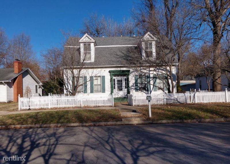 306 East Cypress, Charleston, MO - 1,000 USD/ month