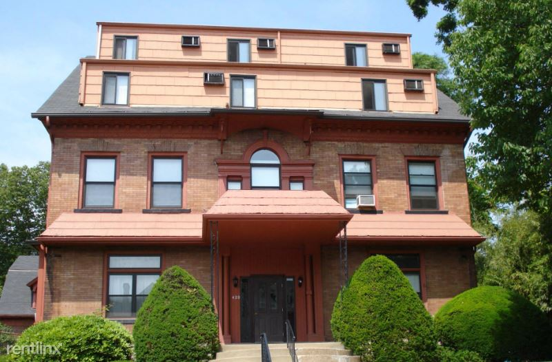 420 S Graham St 8, Pittsburgh, PA - 710 USD/ month