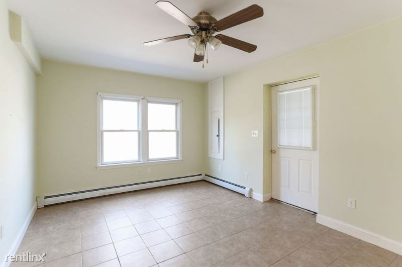Lincoln Ave, Gloucester, MA - 1,400 USD/ month