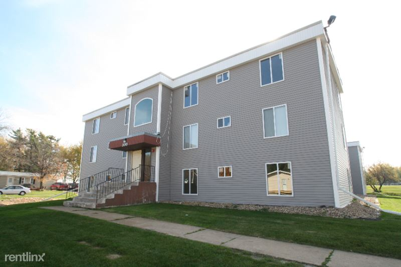 300 6th Street SW 106, Kasson, MN - 695 USD/ month
