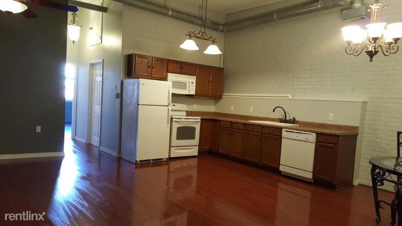 Decatur St, New Orleans, LA - 1,700 USD/ month
