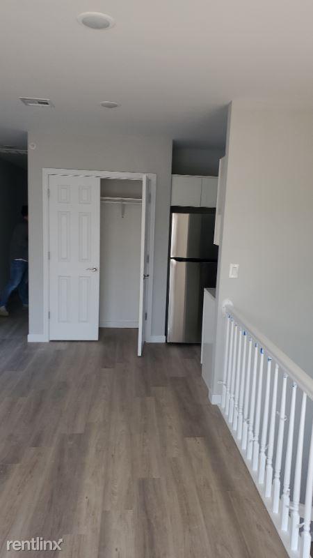 15 Arlington St, Paterson, NJ - 2,400 USD/ month