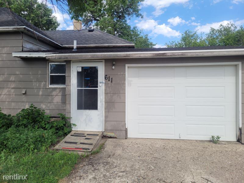611 5th St, Britton, SD - 657 USD/ month