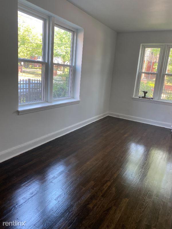 175 Washington St, Bridgeport, CT - 1,045 USD/ month