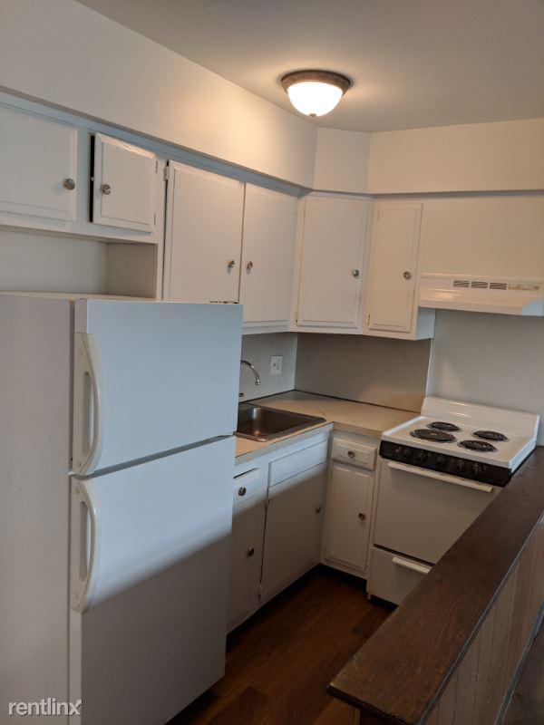 43 Wheeler Ave, Bridgeport, CT - 1,045 USD/ month