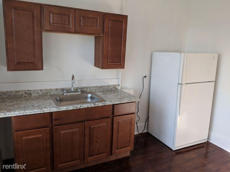 168 Berkshire Ave, Bridgeport, CT - 1,645 USD/ month