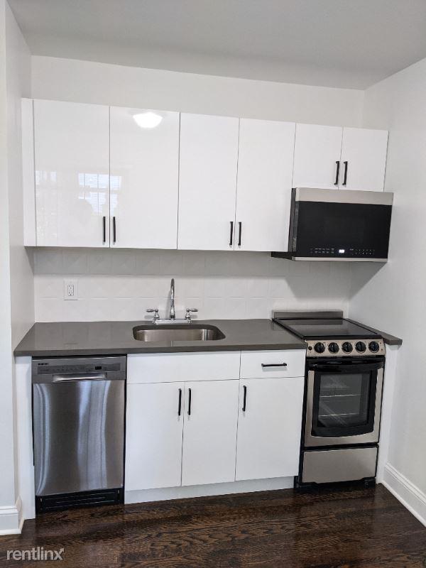 112 Grove St, Stamford, CT - 1,645 USD/ month