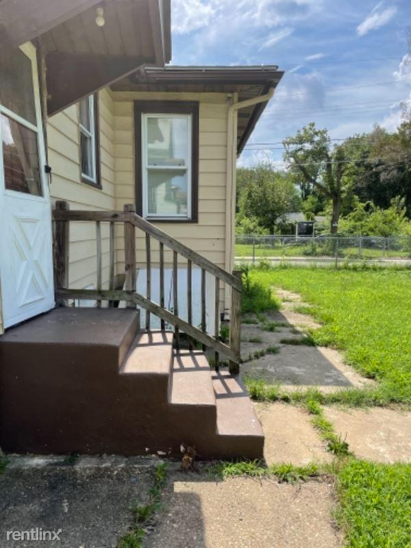 adams st, Paulsboro, NJ - 2,000 USD/ month