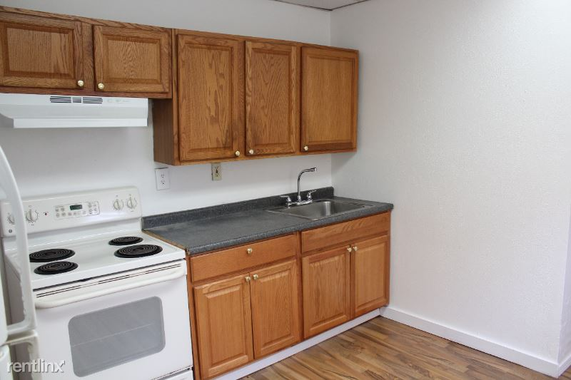 1422 Beechview Ave., Pittsburgh, PA - 700 USD/ month