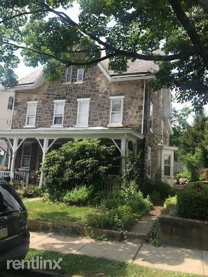 94 S Clinton St, Doylestown, PA - 2,500 USD/ month