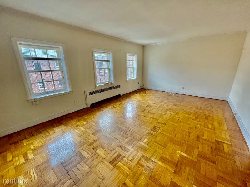 312 Washington St 3-6, Wellesley Hills, MA - 2,000 USD/ month