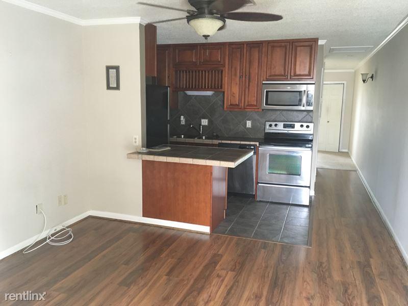 310 Ella St 129, Lafayette, LA - 725 USD/ month