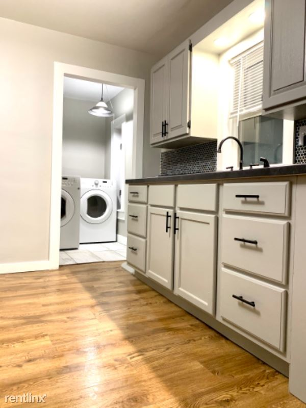 816 W. Winnebago St, Appleton, WI - 1,400 USD/ month