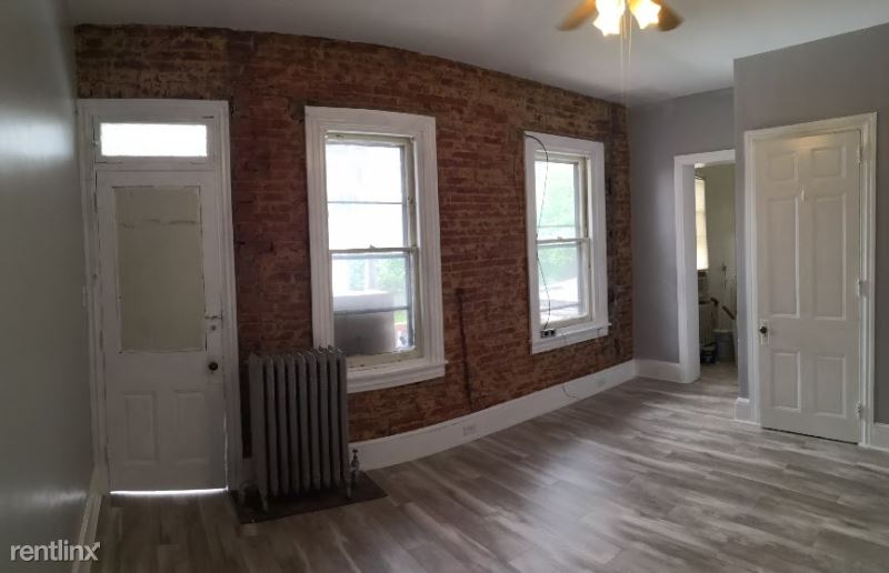 1339 Mineral Spring Rd, Reading, PA - 850 USD/ month