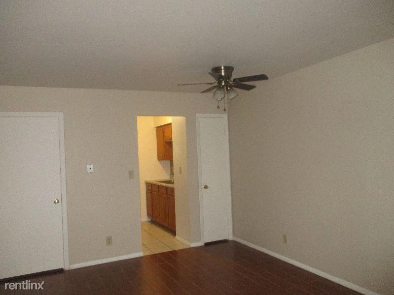 10211 Krissta Ln, Newburgh, IN - 575 USD/ month