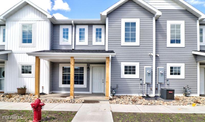 3338 6th Way E C, West Fargo, ND - 1,800 USD/ month