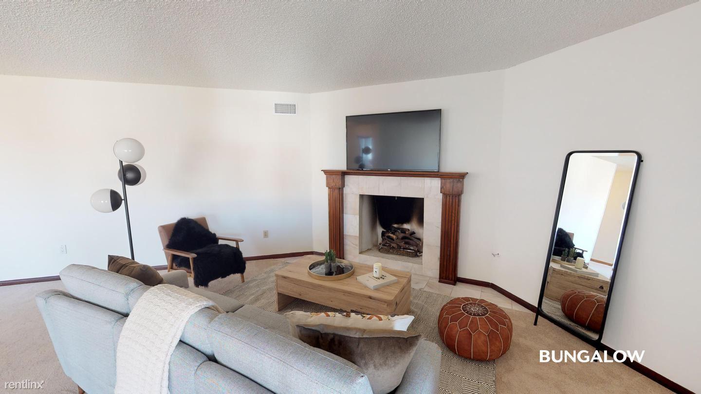 2044 Mendocino Blvd, San Diego, CA - 1,350 USD/ month