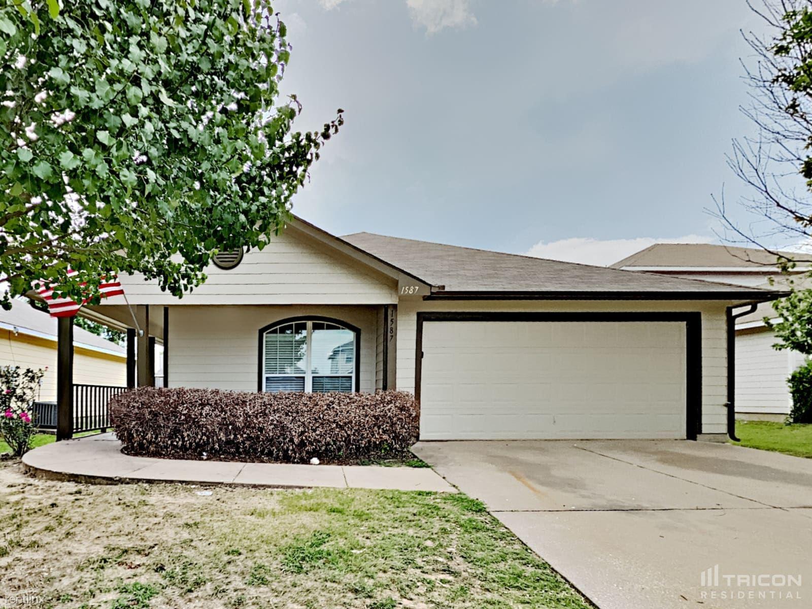 1587 Sandhurst Drive, Waxahachie, TX - 1,899 USD/ month