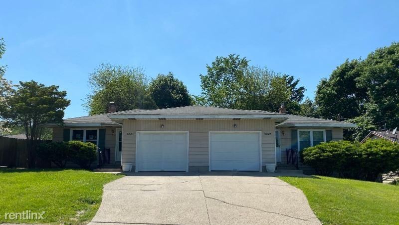 3651 Kalamazoo Ave SE, Grand Rapids, MI - 1,350 USD/ month