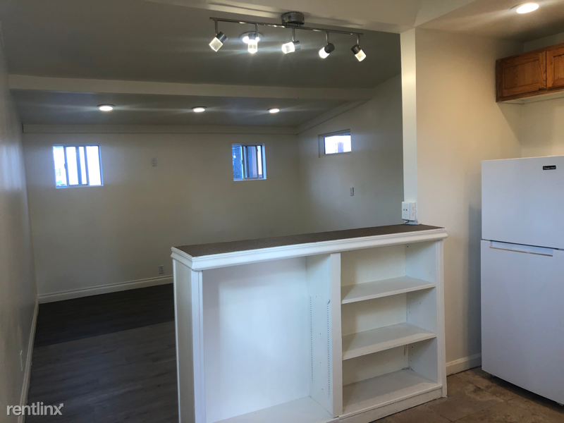 2149 National Ave #B, San Diego, CA - 1,350 USD/ month