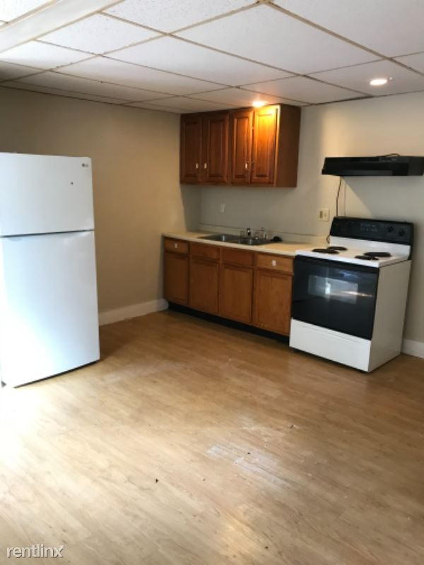 Lafayette St, Rochester, NH - 850 USD/ month