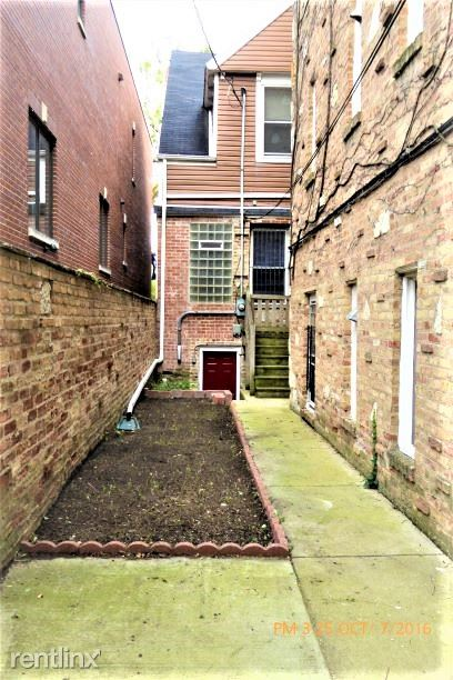 3526 N Marshall St 1, Alhambra, IL - 4,200 USD/ month