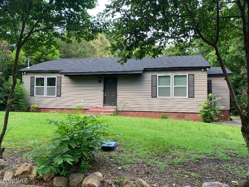 405 Wilborn Ave, Tuskegee, AL - 675 USD/ month
