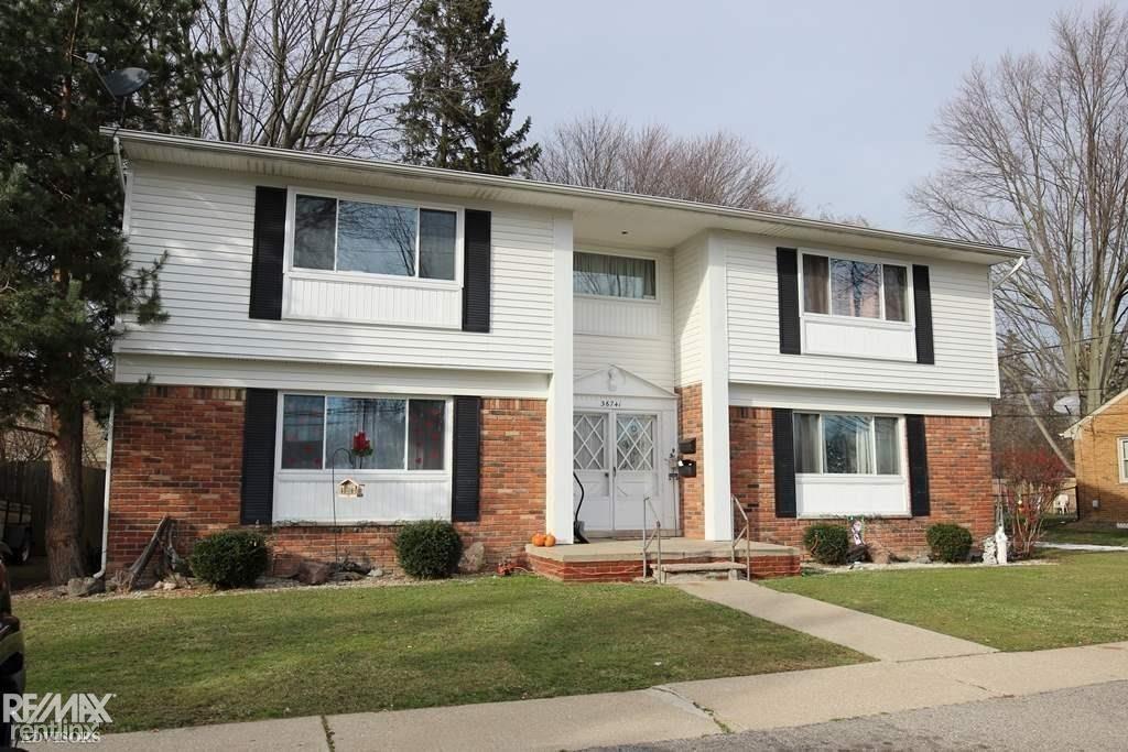 36741 Hathaway St, New Baltimore, MI - 845 USD/ month