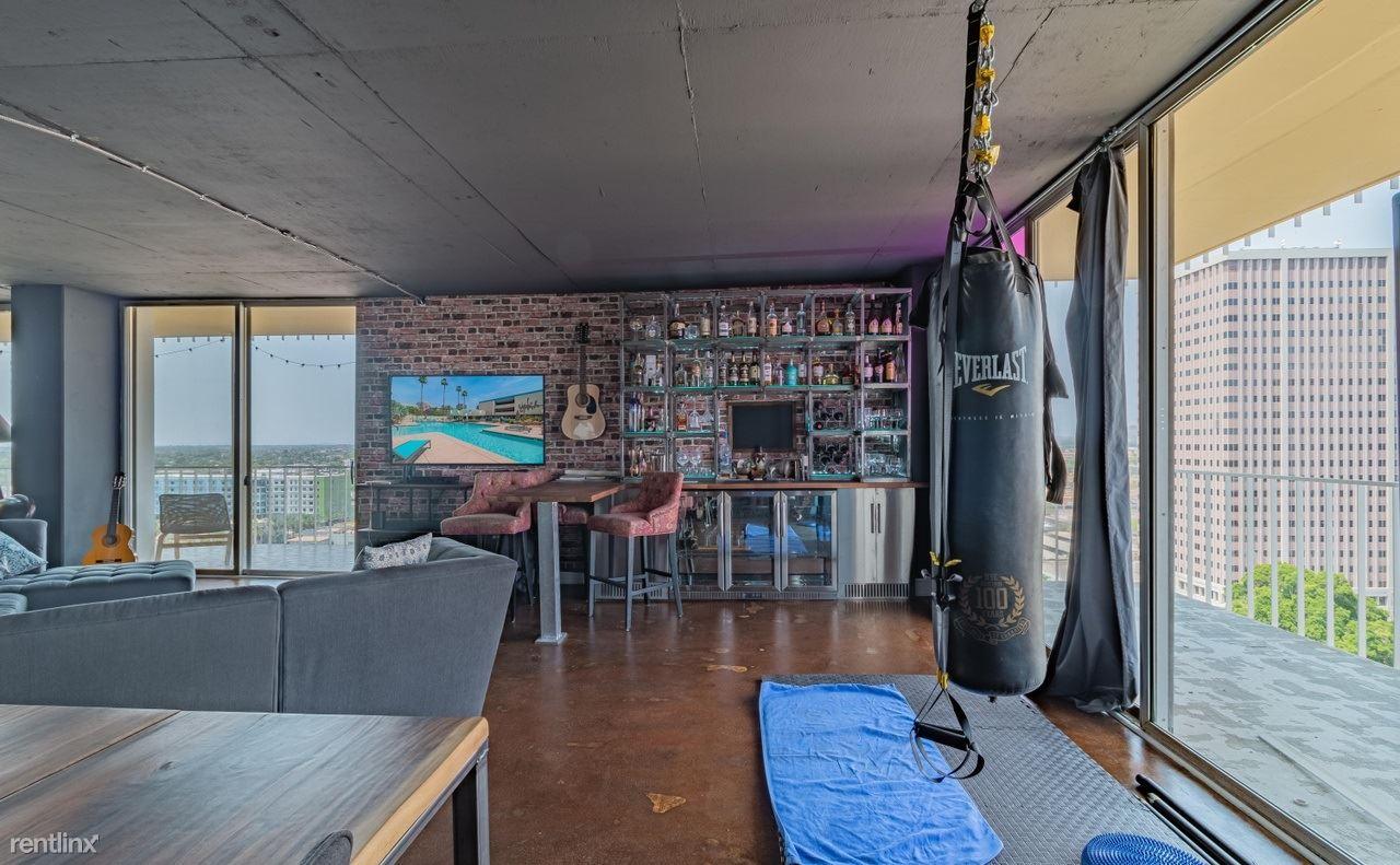 207 W Clarendon Ave, Phoenix, AZ - 995 USD/ month