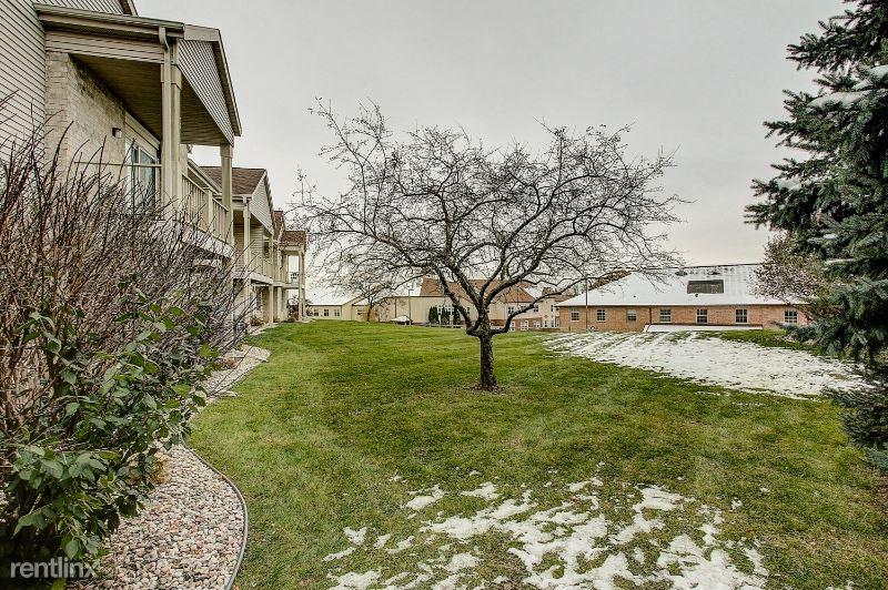 5311 S. Ridge Way 211, Middleton, WI - 1,360 USD/ month