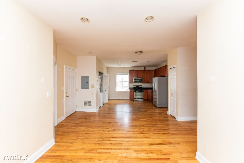 4853 N Springfield Ave 3, Chicago, IL - 1,500 USD/ month