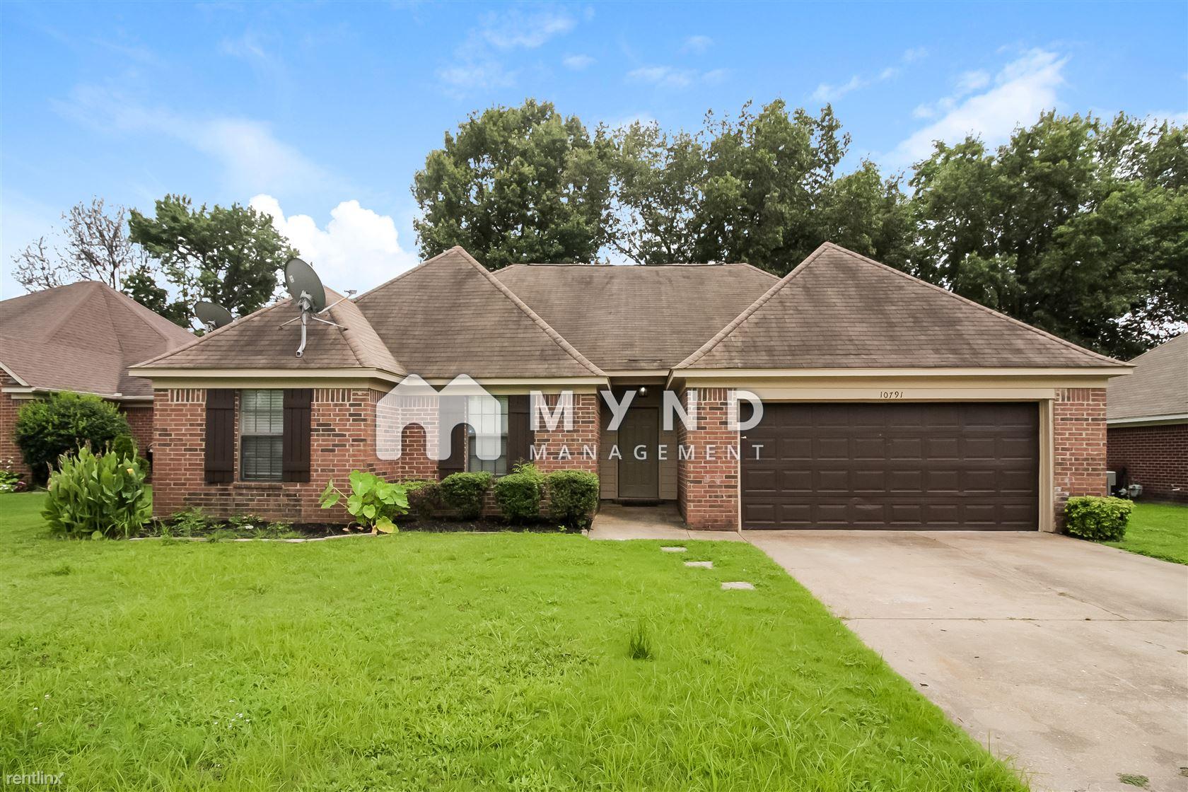 10791 Ridgefield, Olive Branch, MS - 1,645 USD/ month