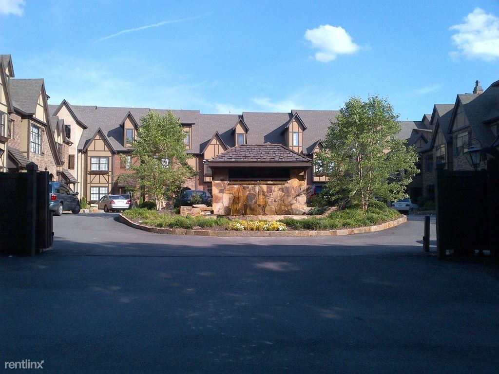 1326 Essex Manor Circle, Homewood, AL - 2,500 USD/ month