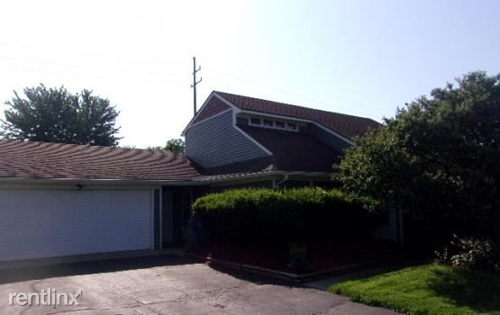 2316 Crescent Lake Rd, Waterford, MI - 1,750 USD/ month