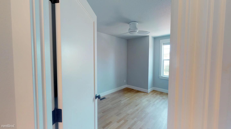 3619 NE 14th Ave - 870USD / month