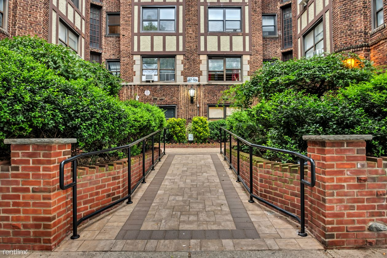 37-55 77th Street, Jackson Heights, NY - 2,495 USD/ month