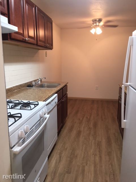 35 Grimes Road, Rocky Hill, CT - 1,325 USD/ month