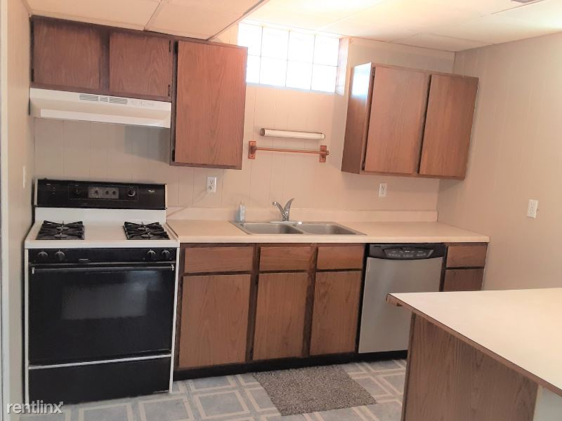 805 N Kiwanis Ave, Sioux Falls, SD - 580 USD/ month