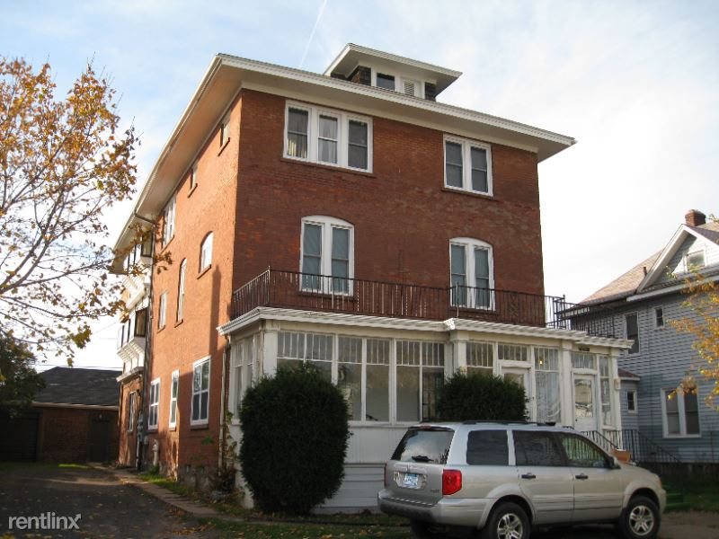 1105 Hammond Ave # 1 1, Superior, WI - 1,500 USD/ month