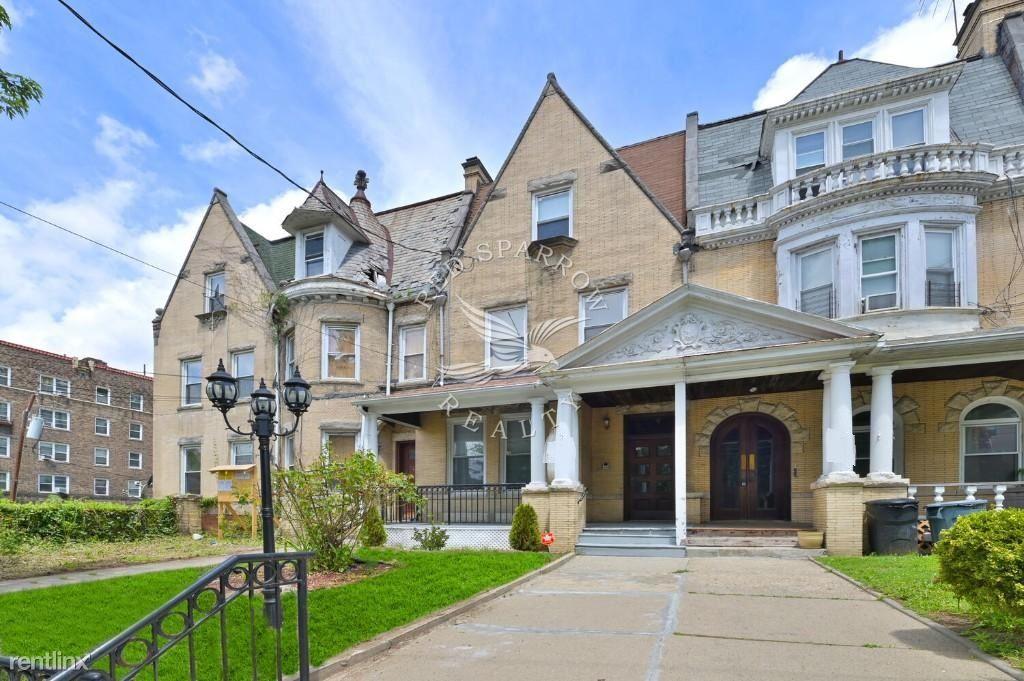 205 E Prospect Ave, Mount Vernon, NY - 5,000 USD/ month