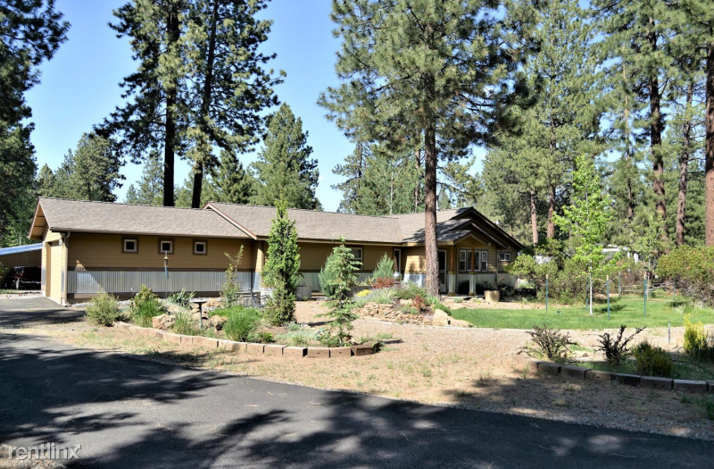 River Woods Dr, Bend, OR - 3,500 USD/ month