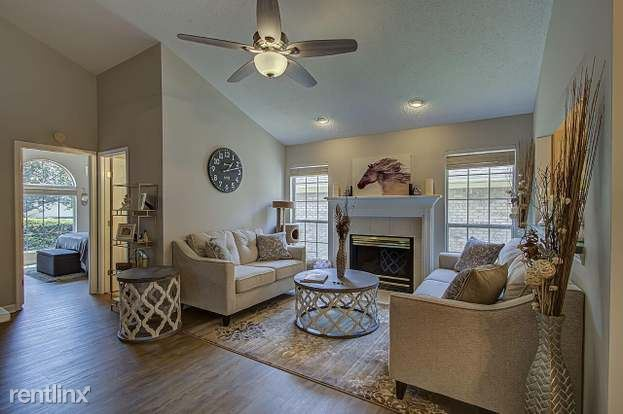 8823 Lennox View Way - 980USD / month