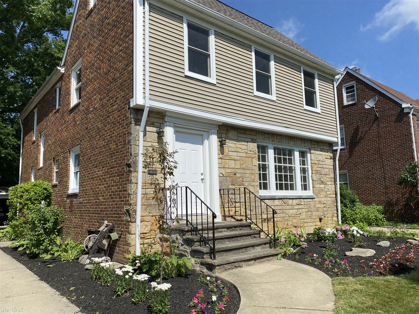 2400 Ashurst Road, University Heights, OH - 1,650 USD/ month
