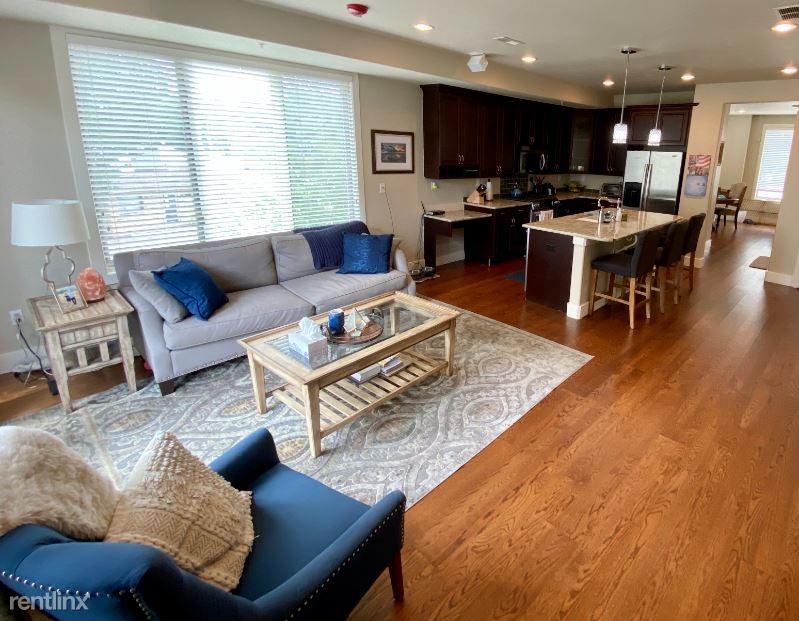 2700 E Louisiana Ave Unit 201, Denver, CO - 2,750 USD/ month