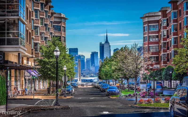 19 Ave At Port Imperial Blvd, West New York, NJ - 5,144 USD/ month