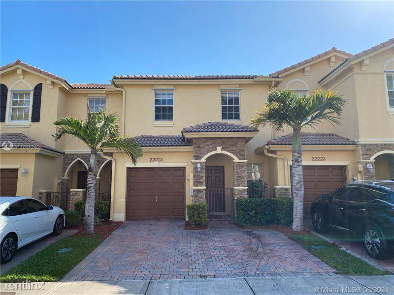 22213 SW 93 Ct, Cutler Bay, FL - 2,000 USD/ month